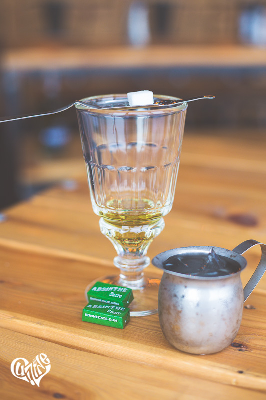 The louching method of drinking absinthe